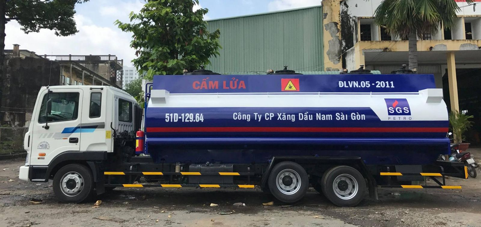 Xe bồn 20 m3 khối chở xăng dầu Hyundai 3 chân HD240