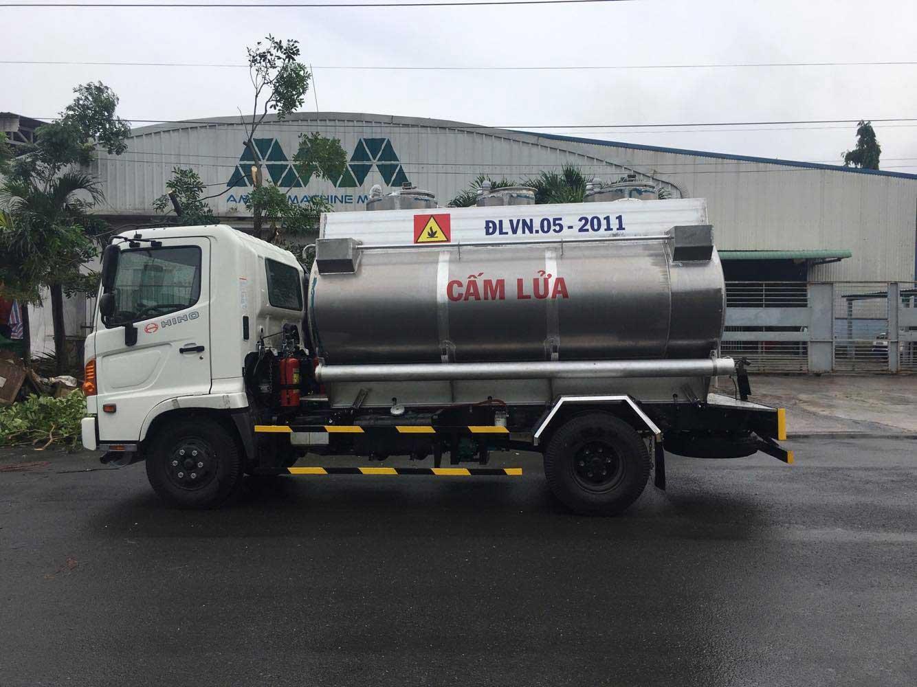 Xe bồn 8 m3 khối chở xăng dầu Hino FC